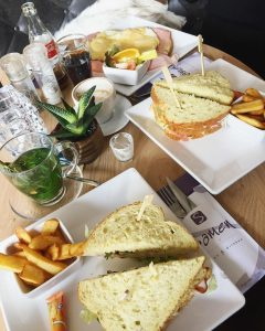 weekend vibezzz lunch qualitytime yum